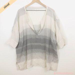 [Lou & Grey] White/Gray Oversized 3/4 Sleeve Top
